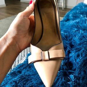 Bally Nude Heels; w bow/black outline detail